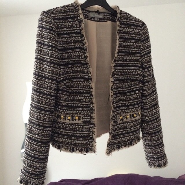 Lovely Beautiful cropped Zara / Chanel style jacket from marks & on - Depop YO49