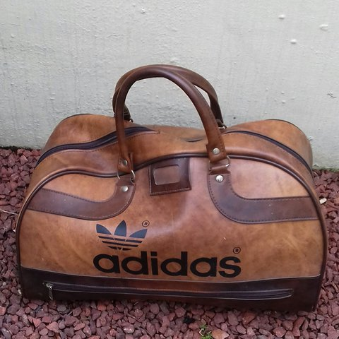 078899e685df  mcilroyliam. last year. United Kingdom. Mens vintage brown Peter black x adidas  holdall gym bag
