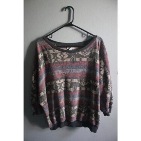 7b9ff8156 Tribal print sweater with 3 4 sleeves from Billabong! - Depop