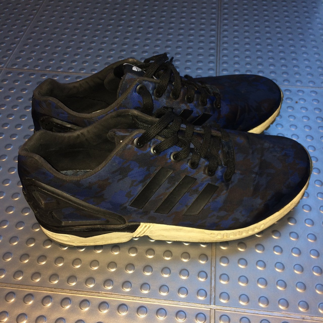 acea8578aaeae Adidas blue and black ZX Flux trainers