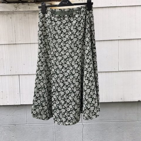 21fde2fce5 @thestylepotato. 17 days ago. New York, United States. Monsoon green and white  floral skirt ...