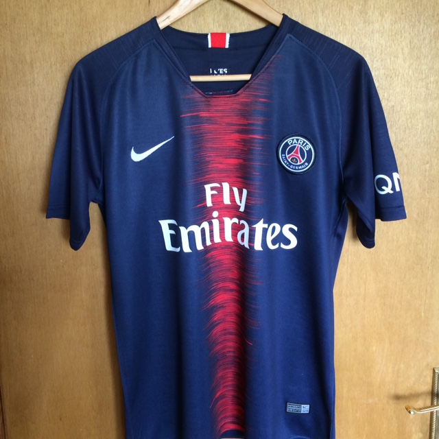 pick up a43fe fad9d - PSG Nike Kylian Mbappé Number 7 Home Jersey 18/19 ...