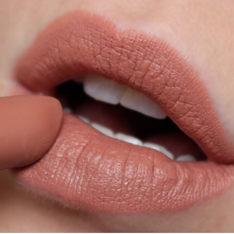 Bekend Mac matte lipstick in the shade honey love🧡 selling as the - Depop #LF15