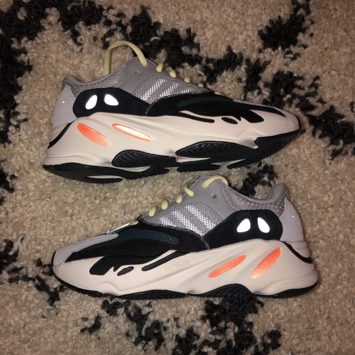 check out 871ae 1ac5a PRICE IS FIRM!! Yeezy Wave Runner 700. Size 4 in... - Depop