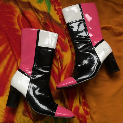 2235a836859 RESERVED 💞 crazy lil y2k booties 🌸 pink