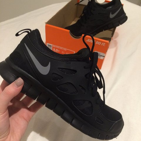 d08e2bf6c36f Selling my Black Nike Free Run 2 trainers. Size Uk 5.5. only - Depop