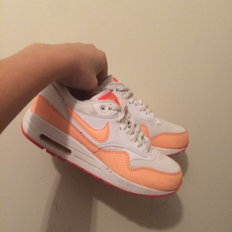 c1a0b8f5f4c @willemijnp_. 3 years ago. Nederland. Nike air max dames. Maat 38.