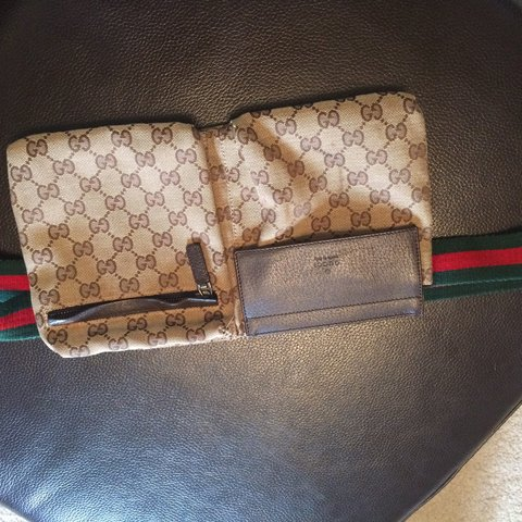 f59706ed1e75 @santi33. 3 years ago. Manchester, Manchester, UK. Authentic Gucci waist bag.  Excellent condition.