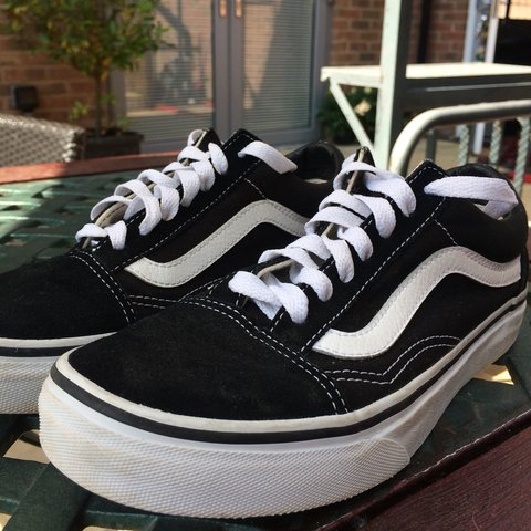 yasgrg. 8 months ago. United Kingdom. Size 3 Black and White Old Skool Vans  !! ad363eccf