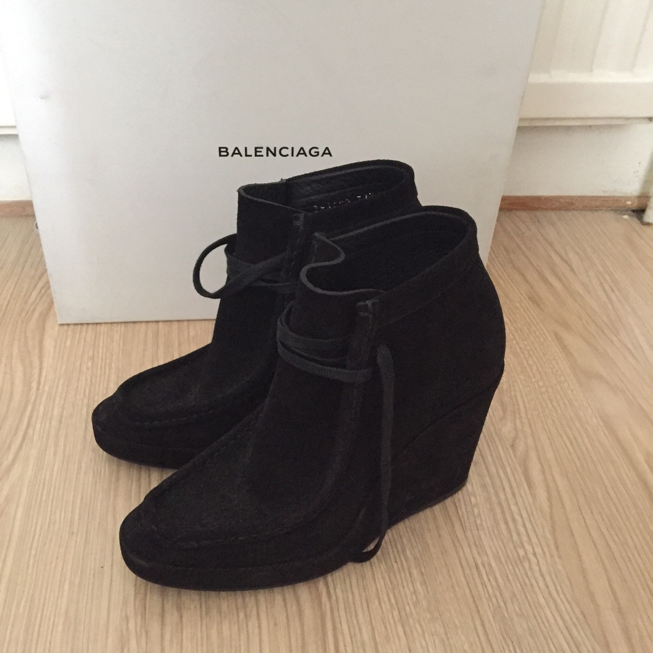 top fashion casual shoes size 7 Balenciaga's wallabee-inspired ankle boots have been ...