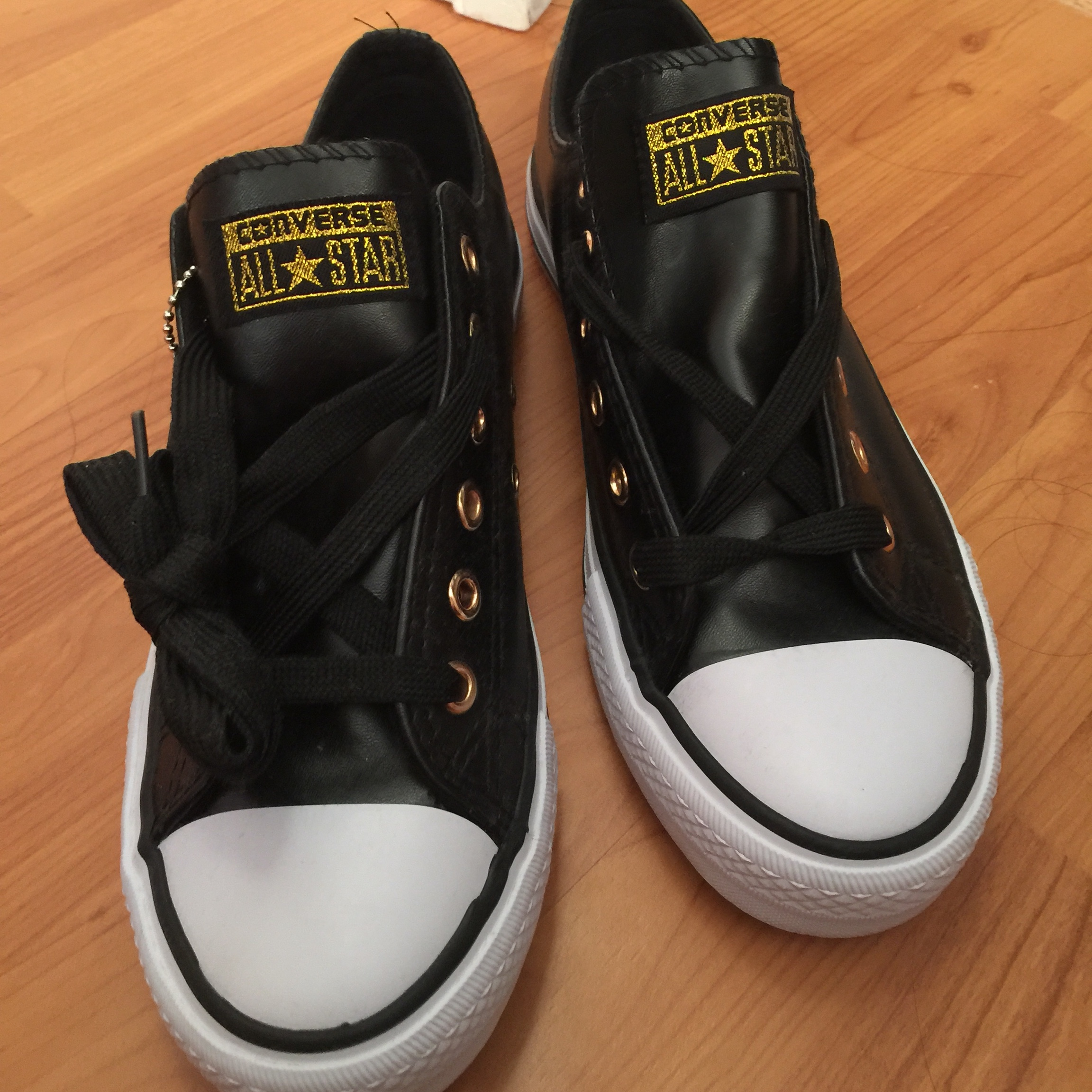 Leather Converse Shoes Size: 5.5 in Men