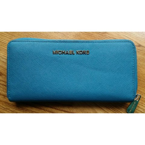 1f78806a02b9 @ladygee. 3 years ago. Portchester, Hampshire, UK. Michael Kors light blue  purse, slight used ...