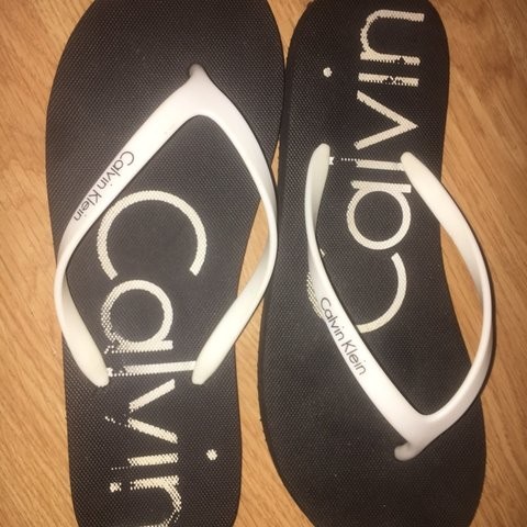 9bc9c2f67 Selling these Calvin klein flip flops size 5. Only worn a of - Depop