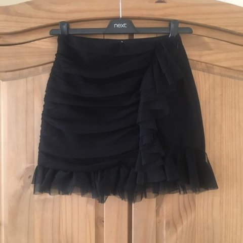 10bd1c6643 @ashakariaaa. 2 years ago. Whitstable, United Kingdom. Never been worn  still with tags, size 6 perfect little skirt ...