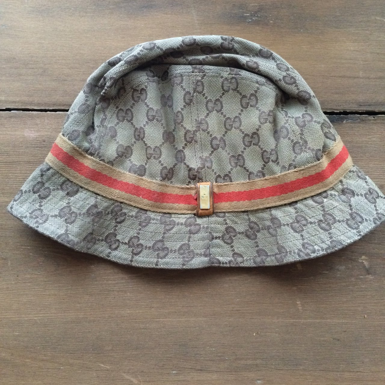 ba8b9503763ae Gucci bucket  floppy hat. Size Small. 100% real. Authentic - Depop