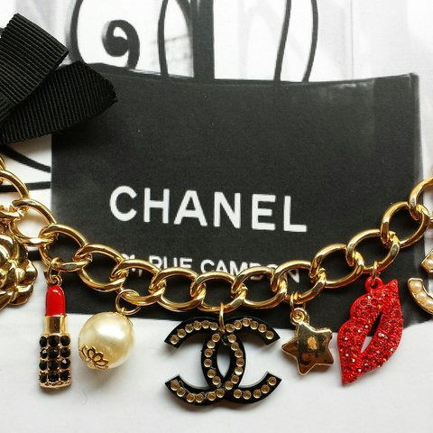 fe54fc10ff83 @sweetsweetway. 4 years ago. Bag charms Looping multicharms. Tipo Chanel  Handmade