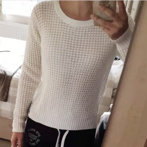 885a67a27ba239 @beccasmith8. 2 years ago. Dover, UK. Size 10 White or Cream Chunky Knit  Jumper ...
