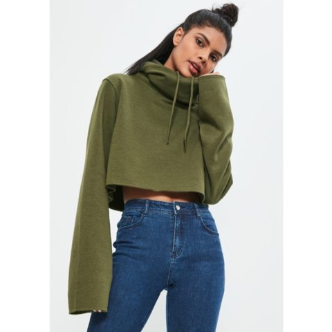 4d2a8362652 @brookiearcuri. 2 years ago. Henderson, United States. Missguided cropped  flare / bell sleeve hoodie. Dark green color, Size 4 ...