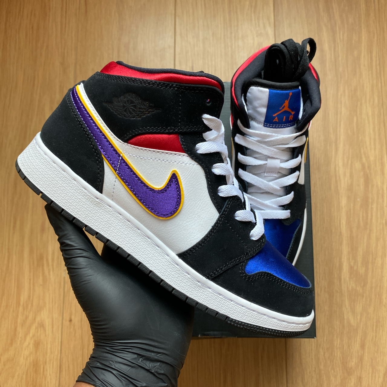 Jordan 1 Mid Lakers Top 3 Gs Online Hotsell, UP TO 64% OFF