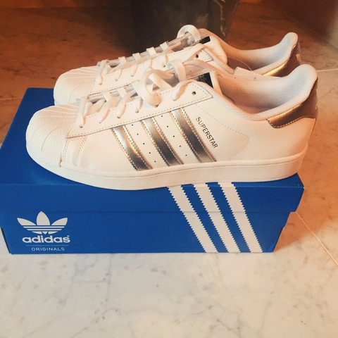 best service fa05c 76ca0 Reduced to £40!!! ADIDAS SUPERSTARS- 0