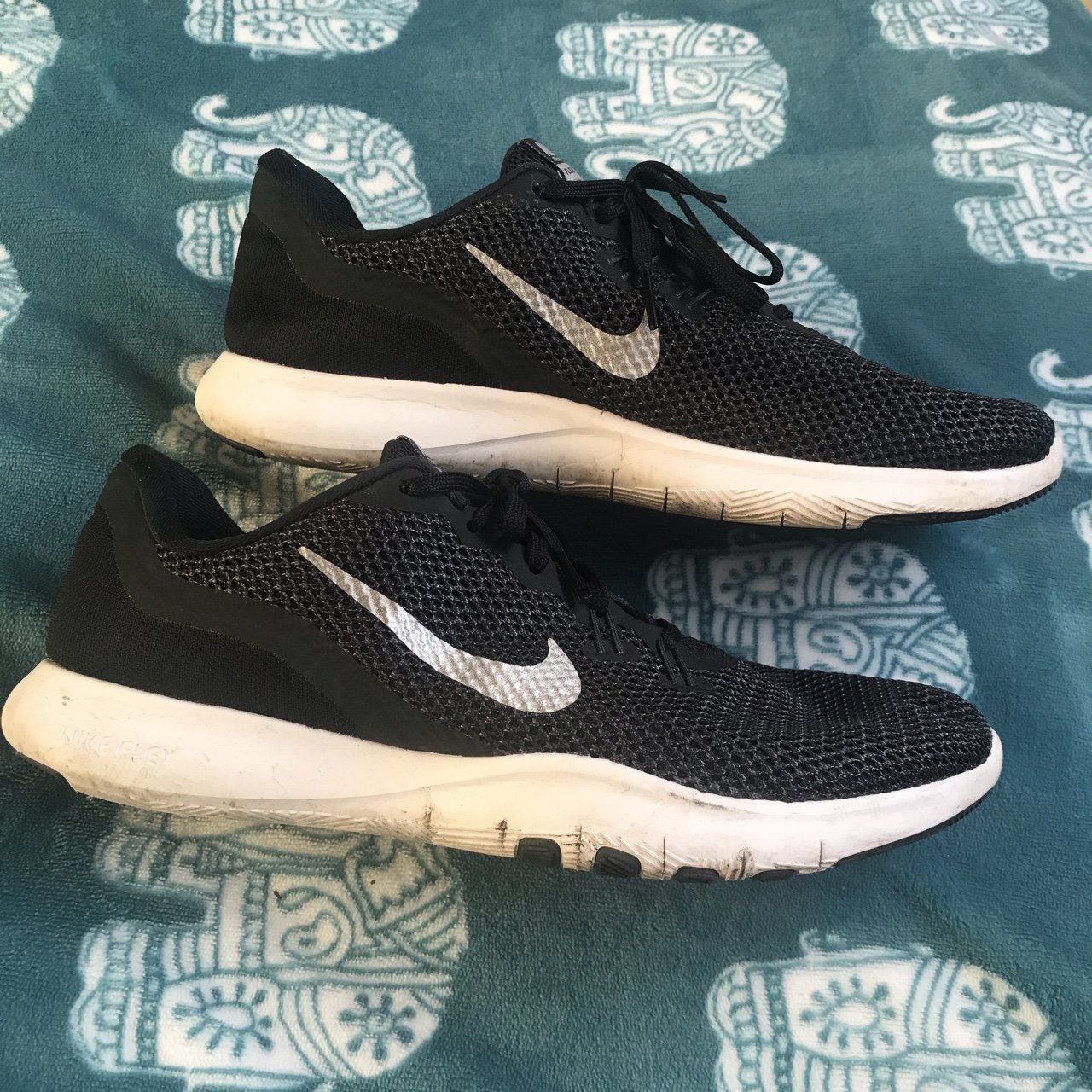 1cd817267d8e Nike running trainers Size 7.5 UK GOOD
