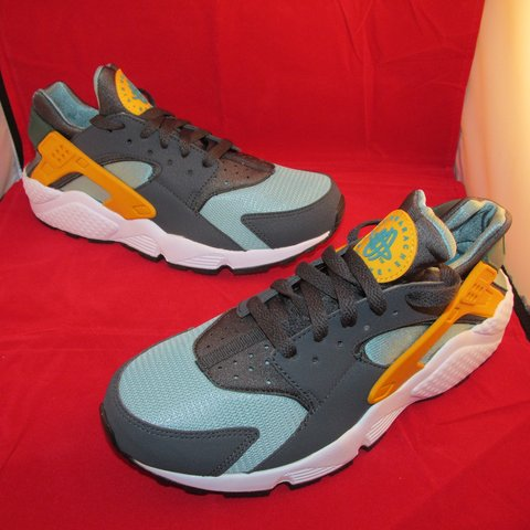 24712e708558 Nike Air Huarache  CATALINA DS - Depop