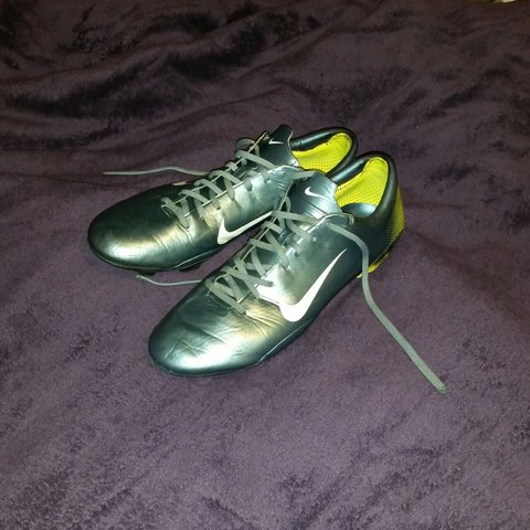 huge discount 1daee 935a3  jordcollings. 4 years ago. Slough, United Kingdom. Nike mercurial vapor iii  RARE R9 ...