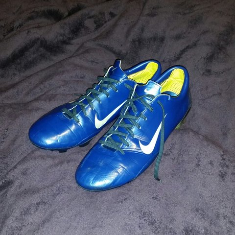 367b98722 @jordcollings. 4 years ago. Slough, United Kingdom. Nike mercurial vapor  iii R9 2006 retro vintage old school football boots extremely RARE size ...