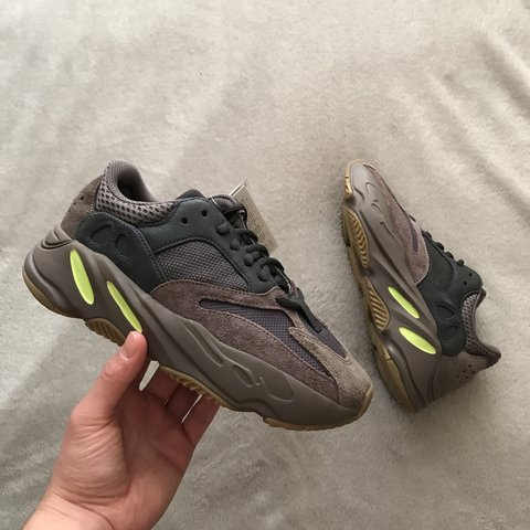 57f6402757b ADIDAS YEEZY BOOST 700 MAUVE • UK 5.5 • BRAND NEW WITH TAGS - Depop