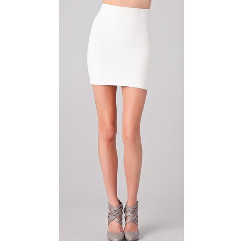 f49dcb2b13 Awesome BCBG pencil skirt in White good for XXS and XS #bcbg - Depop