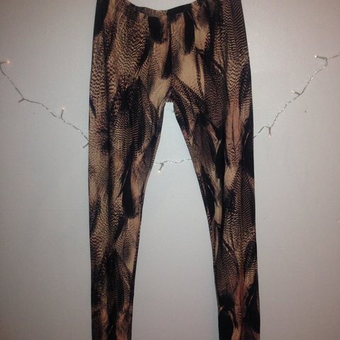 f3b1d3f204009 @jencowap. last year. Dublin, Ireland. Q Alexander McQueen leggings worn  twice... still in perfect condition