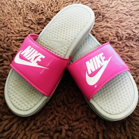 new york e4d35 6f734 Nike Pink And White Sliders- 0