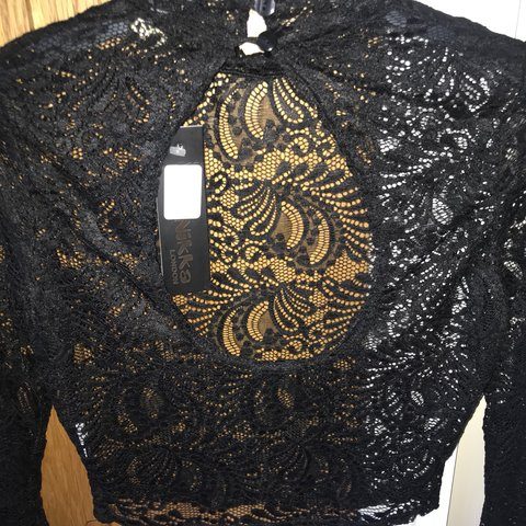 Size 12 cropped lace long sleeve top with open back Depop