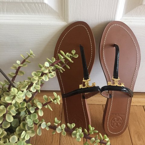 49a667720 Brand New Authentic Tory Burch flat sandals size 9 - Depop