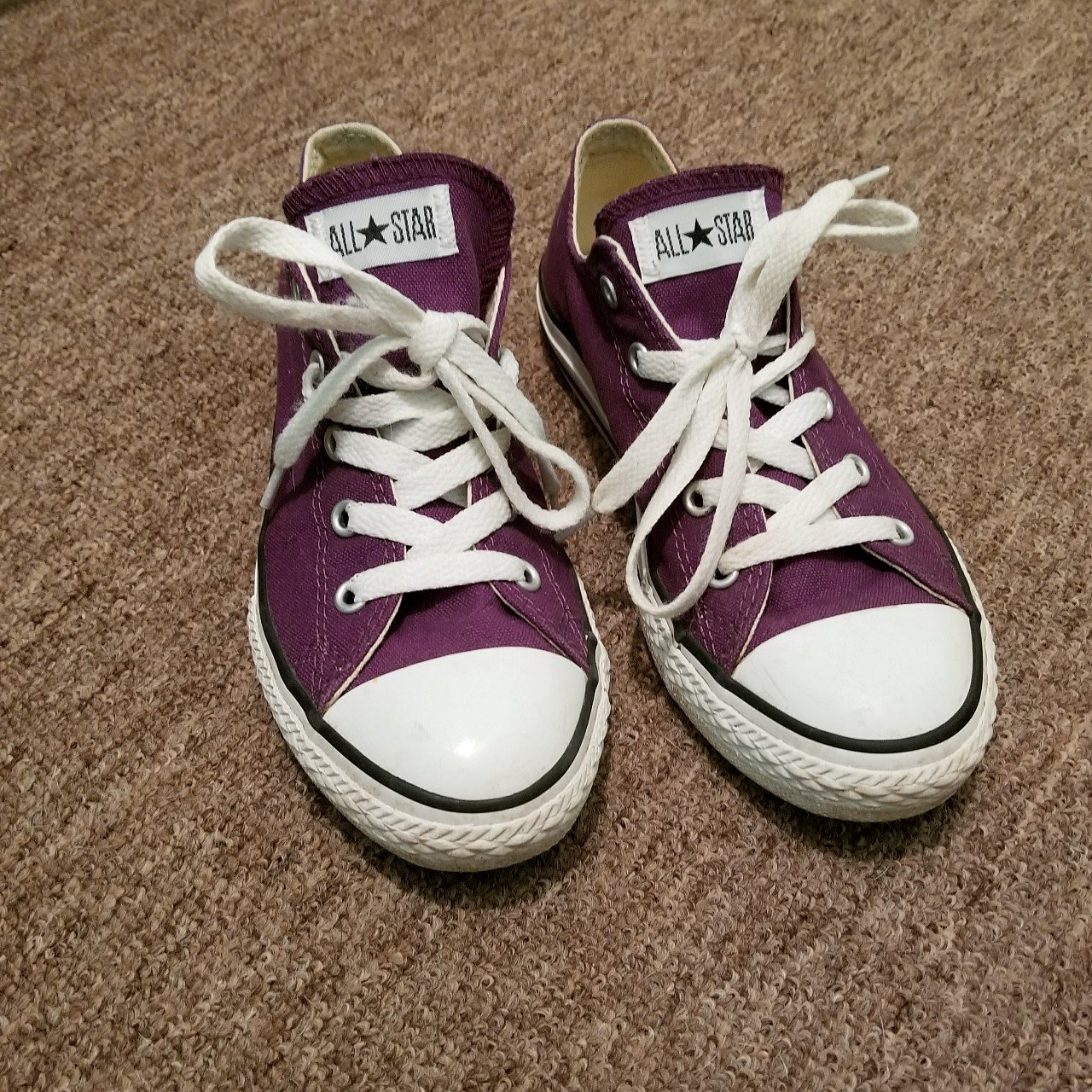 53a6cde8024 Purple Converse Youth size 3 Have some wear