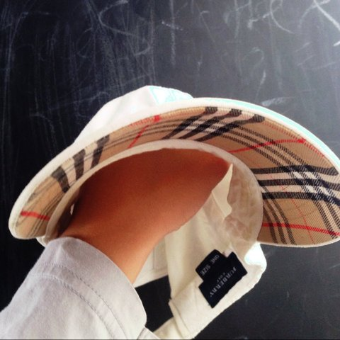 b7251c212cc7f7 Mens Burberry cap hat peaky here. White with print on the of - Depop