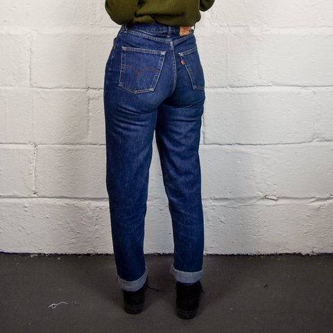 2fd5146f @happydais. last year. Penzance, United Kingdom. Vintage Levi's 901 mom  jeans, dark blue with high waist ...