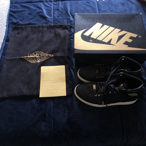 a64781d13fabbc  skrrrrrrrrt. 8 days ago. United States. Jordan pinnacle 1s w 24k gold  details. Dropped for Floyd ...
