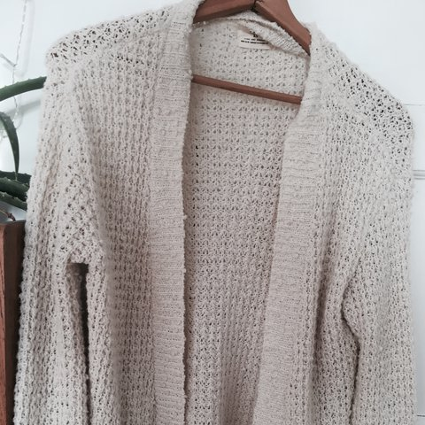 c18b550cfc3e White knitted cardigan from pins and needles range