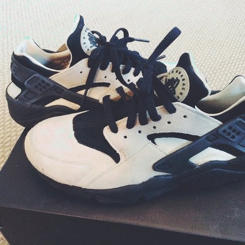94670348aaac Nike Huaraches Flint Spin Black. Size 6.5. In excellent Only - Depop