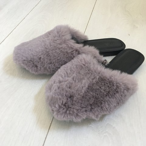 b8f3381c397b Urban Outfitters fur slipper look shoes. Barely worn! - Depop