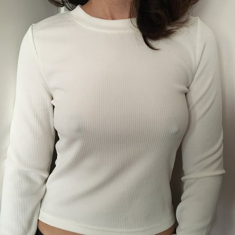 a791735f47725d @marymariam. 3 months ago. London, United Kingdom. Cream/White ribbed long  sleeve top from H&M.