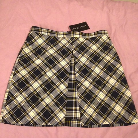 d7ef5698b1 New look tartan check skirt size 8 brand new with tags zip I - Depop