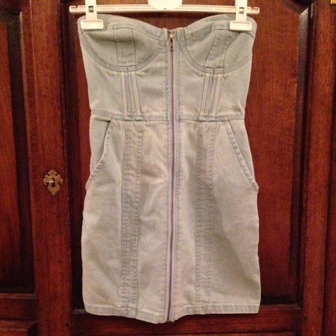 509e61a52e H&M light blue strapless denim mini dress with pockets and 8 - Depop