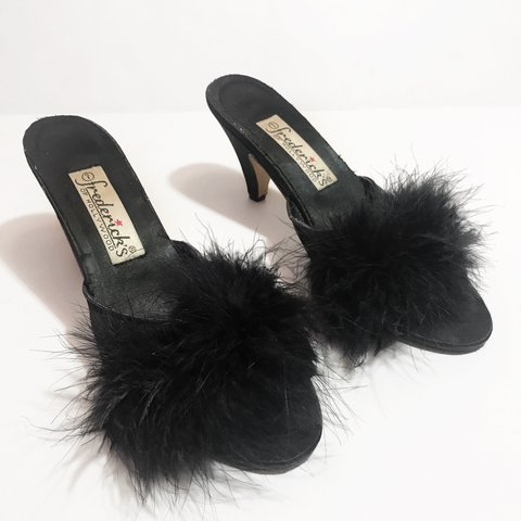 f967ff0c0d99 Fredricks of Hollywood Vintage Marabou Feather Slippers 7 a - Depop