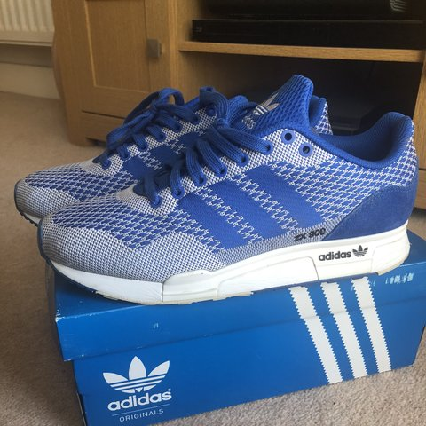 b80708dac1246 Adidas zx 900 size 8 worn once! Bright blue and white.  mens - Depop
