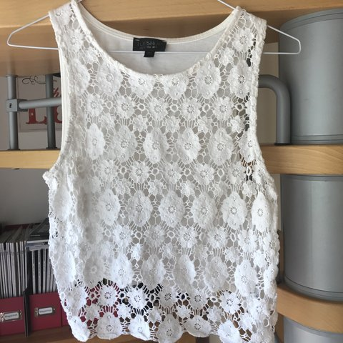 ead4199350a33 Topshop White Cropped Crochet Lace Top Great Condition as a - Depop