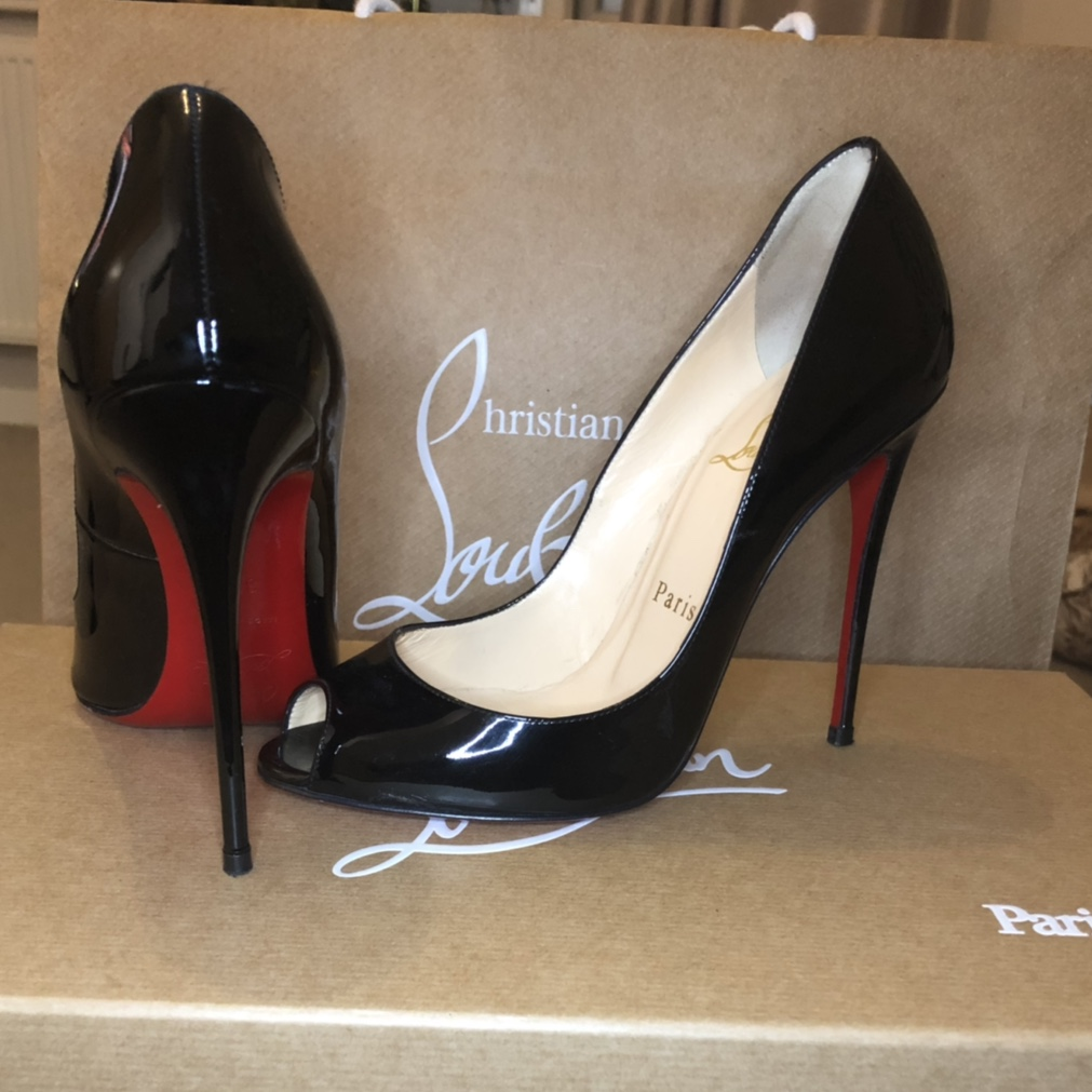 la meilleure attitude 27a13 654c3 SOLD ON OTHER AUCTION SITE! X CHRISTIAN LOUBOUTIN... - Depop
