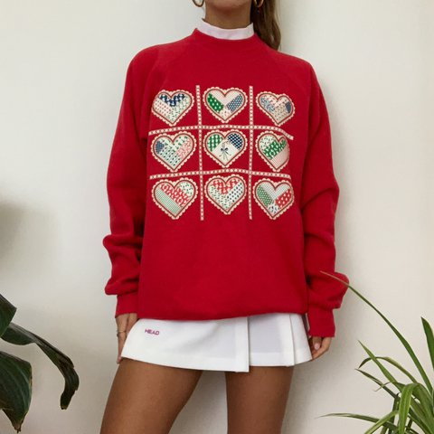 Absolutely obsessed this red Christmas themed crewneck