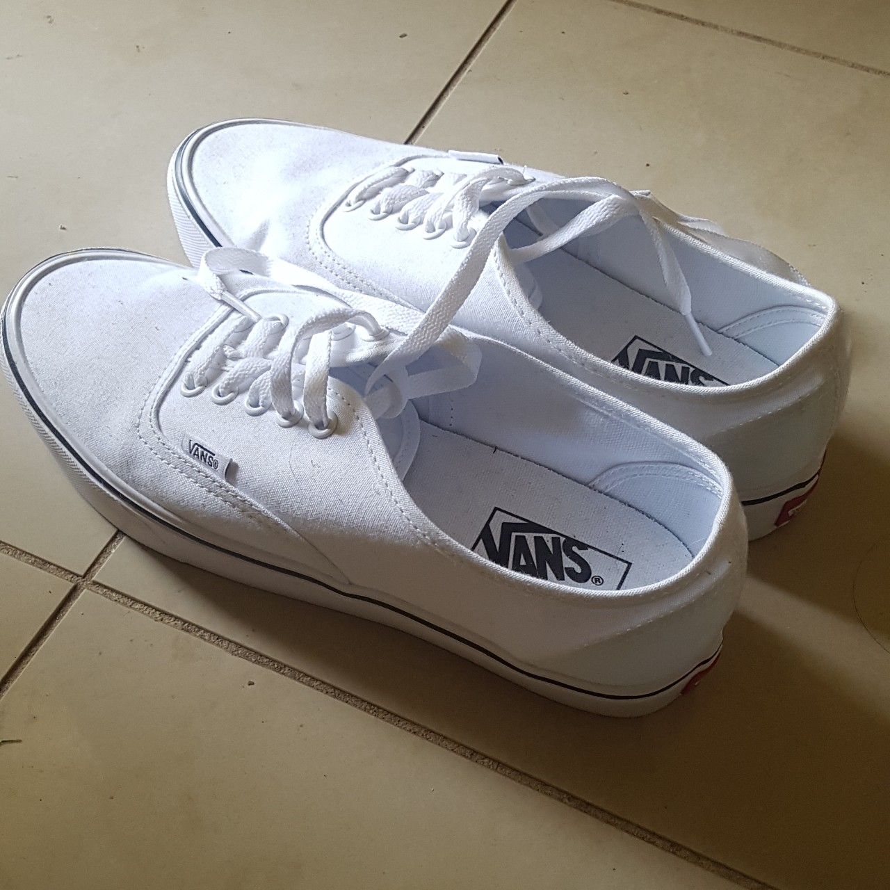 Vans white low top shoes with ultracush